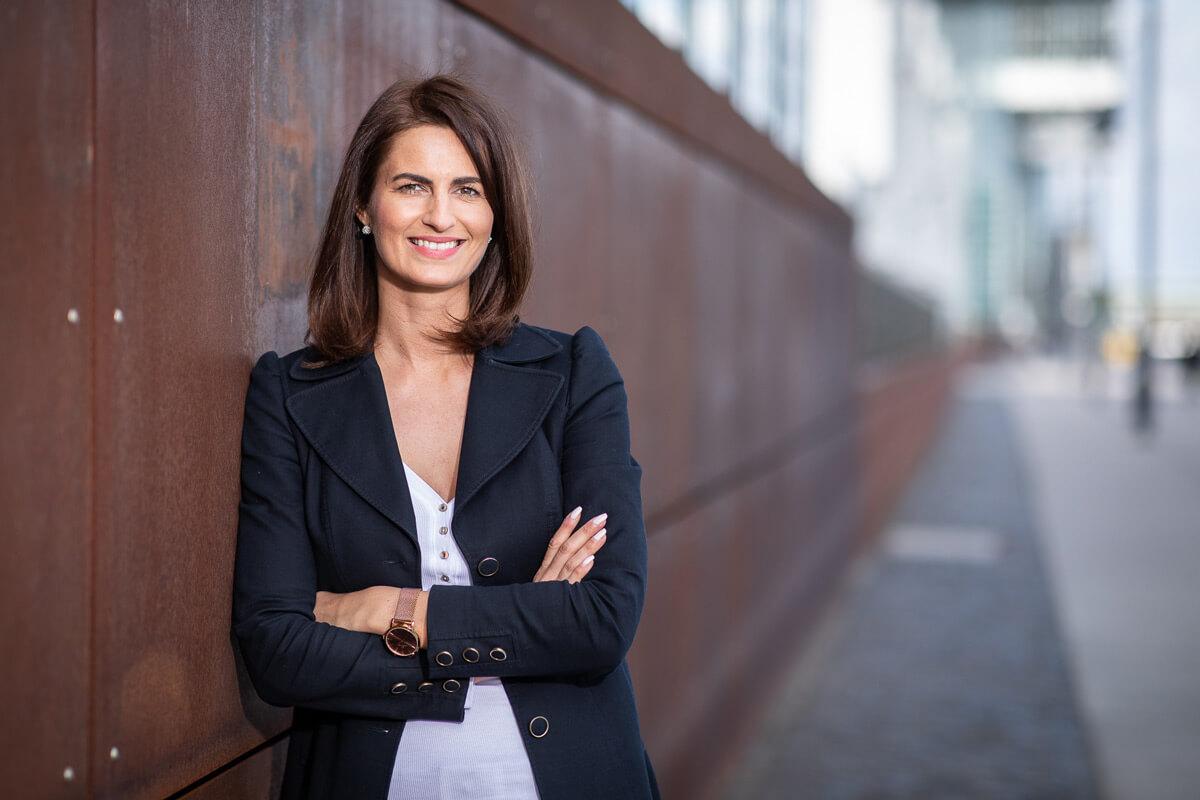 Alt Businessshooting - Portrait einer Geschäftsfrau