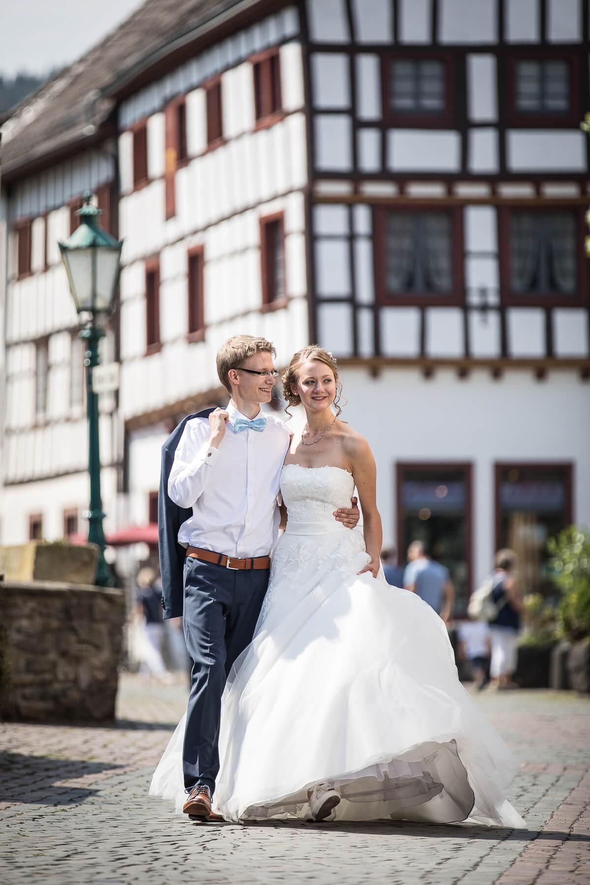 Hochzeitsreportage  Fotograf  Hochzeit  Standesamt  Bad Münstereifel 03