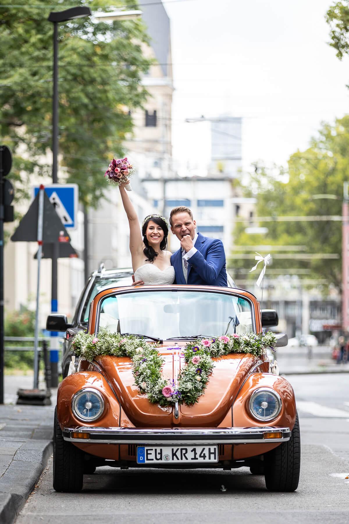 Hochzeitsreportage  Fotograf  Hochzeit  Standesamt  Wolkenburg  Köln 03