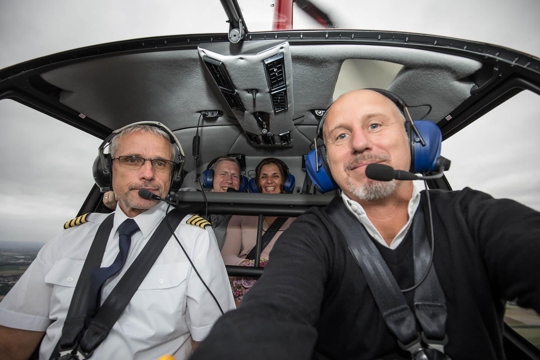 Hochzeitsreportage  Fotograf  Lufthochzeit im Hubschrauber  Hangelar 10