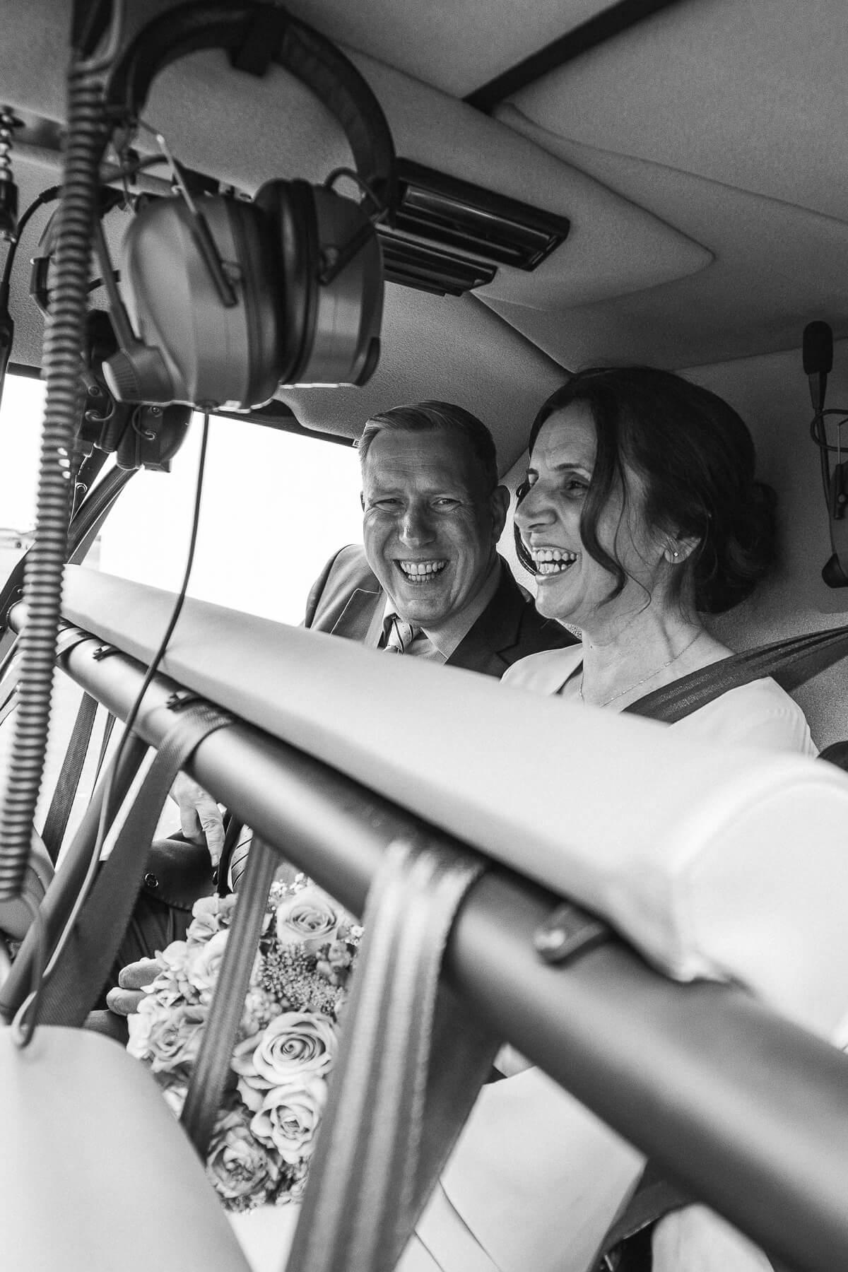 Hochzeitsreportage   Fotograf  Lufthochzeit im Hubschrauber  Hangelar 03