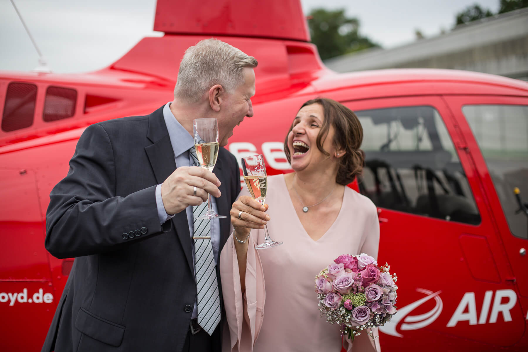 Hochzeitsreportage  Fotograf  Lufthochzeit im Hubschrauber  Hangelar 06