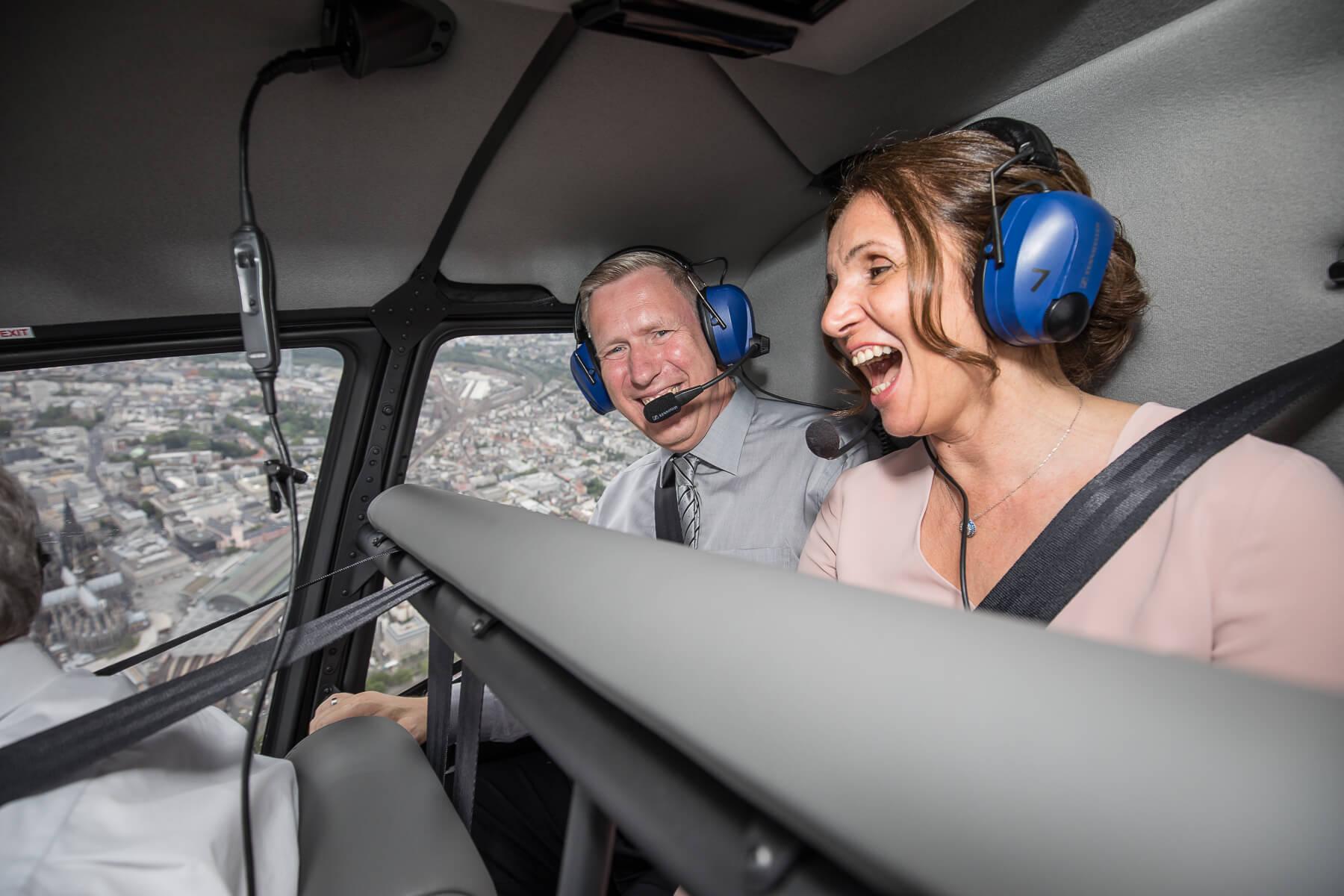 Hochzeitsreportage  Fotograf  Lufthochzeit im Hubschrauber  Hangelar 09